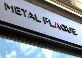 Boutique Metal Flaque